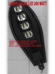 lampu jalan led cobra 200 watt
